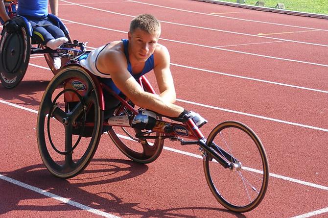 Pari Opportunità Disabili: Anche i disabili prendono i cazzotti