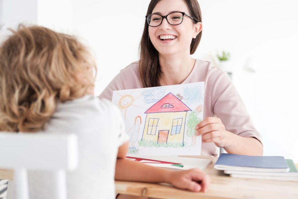 come comportarsi con un bambino autistico