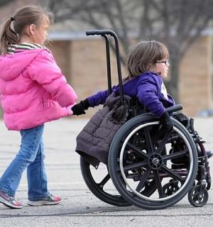 Carrozzine per disabili tutto quello che c 39 da sapere for Fisico sedia a rotelle