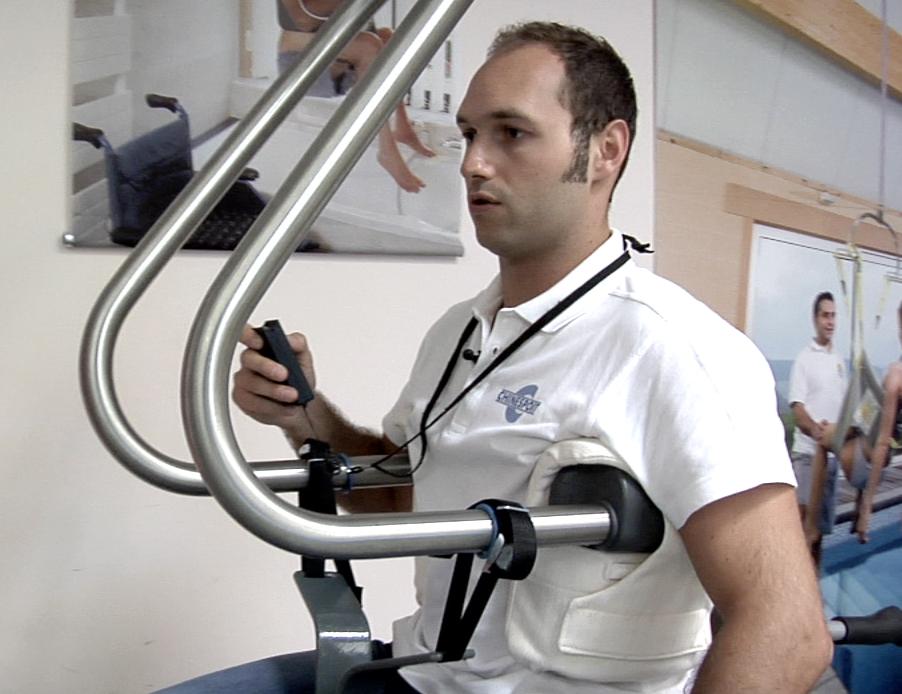 Il sollevatore a braccia inox per disabili ability channel - Sollevatore letto ...