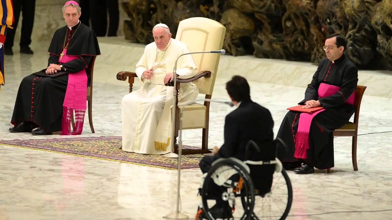 Papa Francesco abbraccia gli sport paralimpici