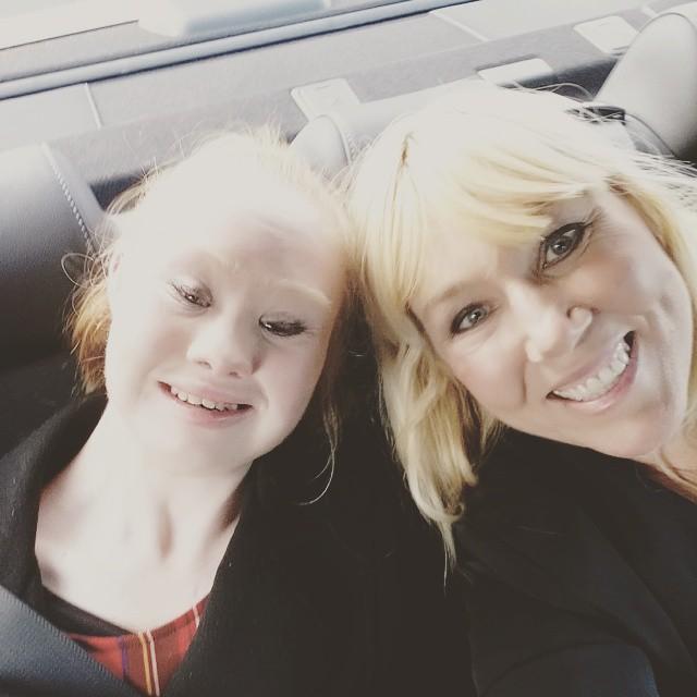 Madeline con la mamma Rosanne