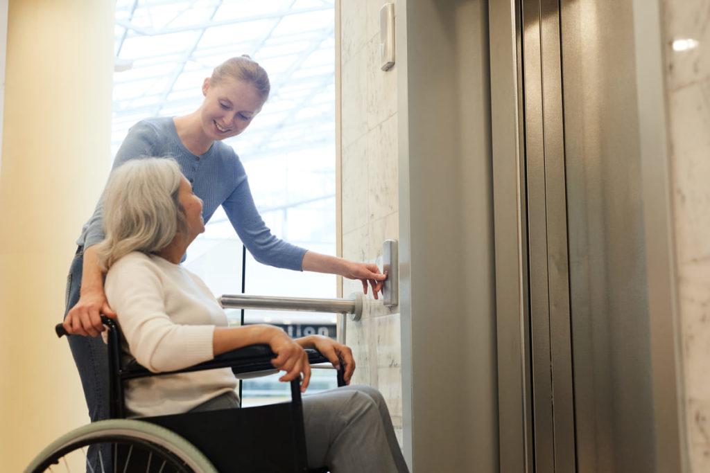 dimensioni e prezzi ascensori per disabili