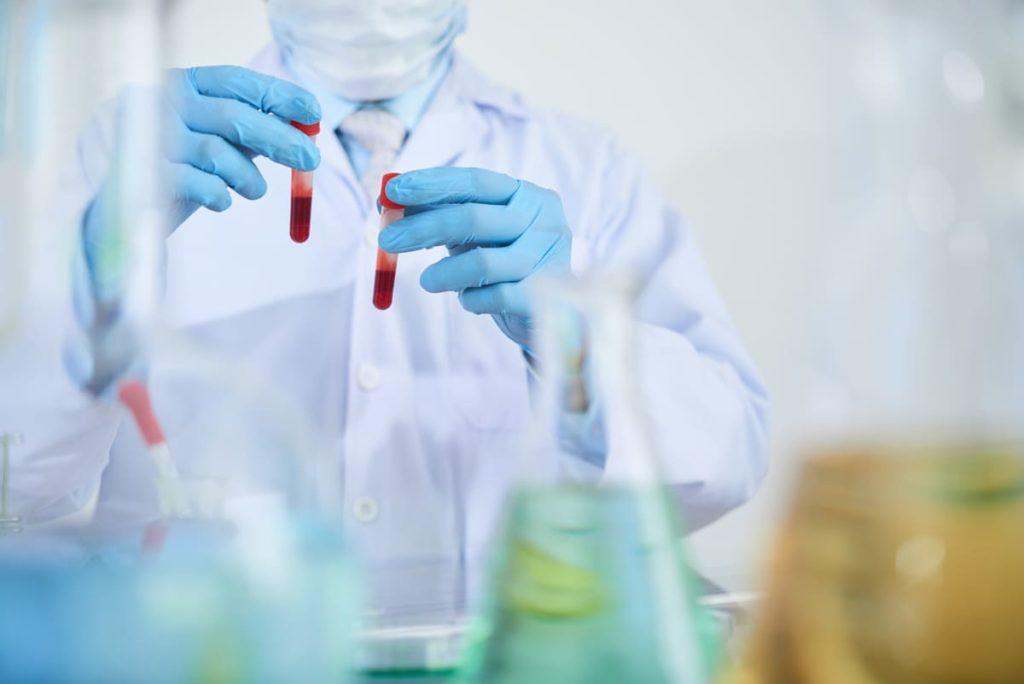 medico riconosce anemia falciforme