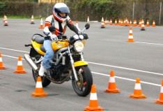 Scuola e corsi di guida per patenti AS