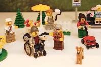 Lego, arriva l'omino in sedia a rotelle