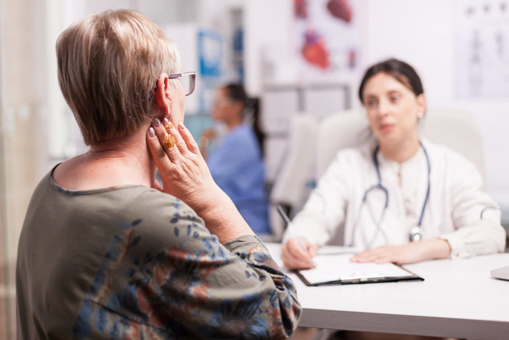 come si manifesta artrite reumatoide