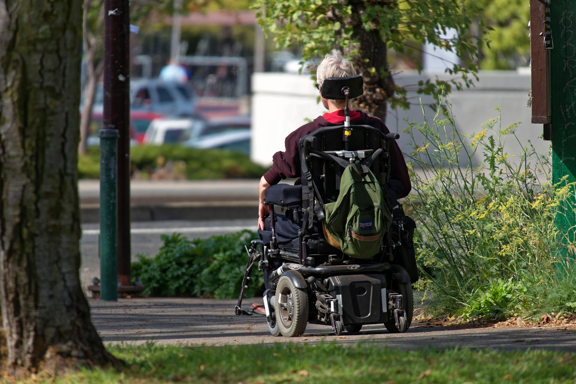incivili parcheggi disabili-parcheggi disabili-contrassegno disabili-pass disabili-parcheggio disabili-ability channel-marciapiede disabili-rampe per disabili-rampe per carrozzine