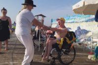 """La Terrazza """"Tutti al mare!"""", spiaggia nel Salento anche per disabilità gravi"""