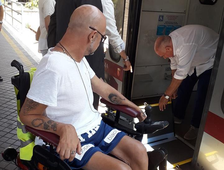 mauro bacchiocchi pedana per salire sui mezzi atac trasporto disabili