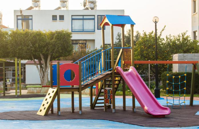 Parchi giochi per disabili non accessibile ai bambini con disabilità