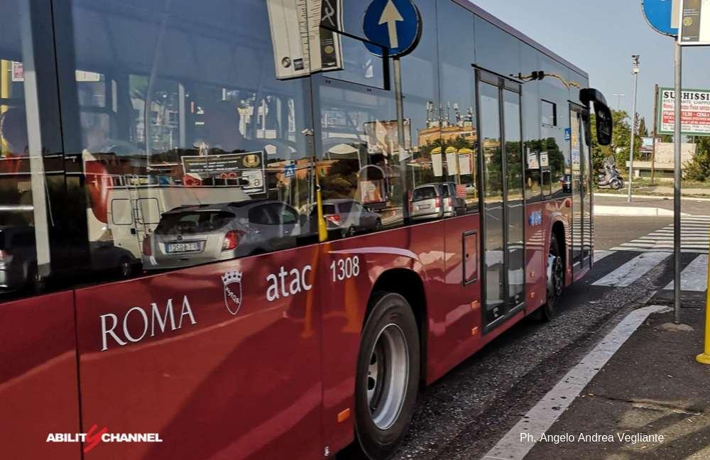 Uno dei nuovi bus atac di Roma Capitale
