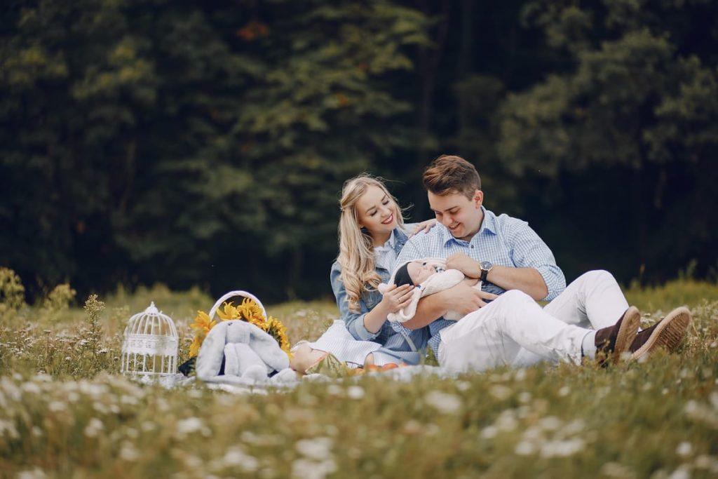 famiglia felice per screening neonatale