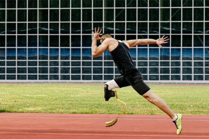 atleta si allena per future gare post coronavirus