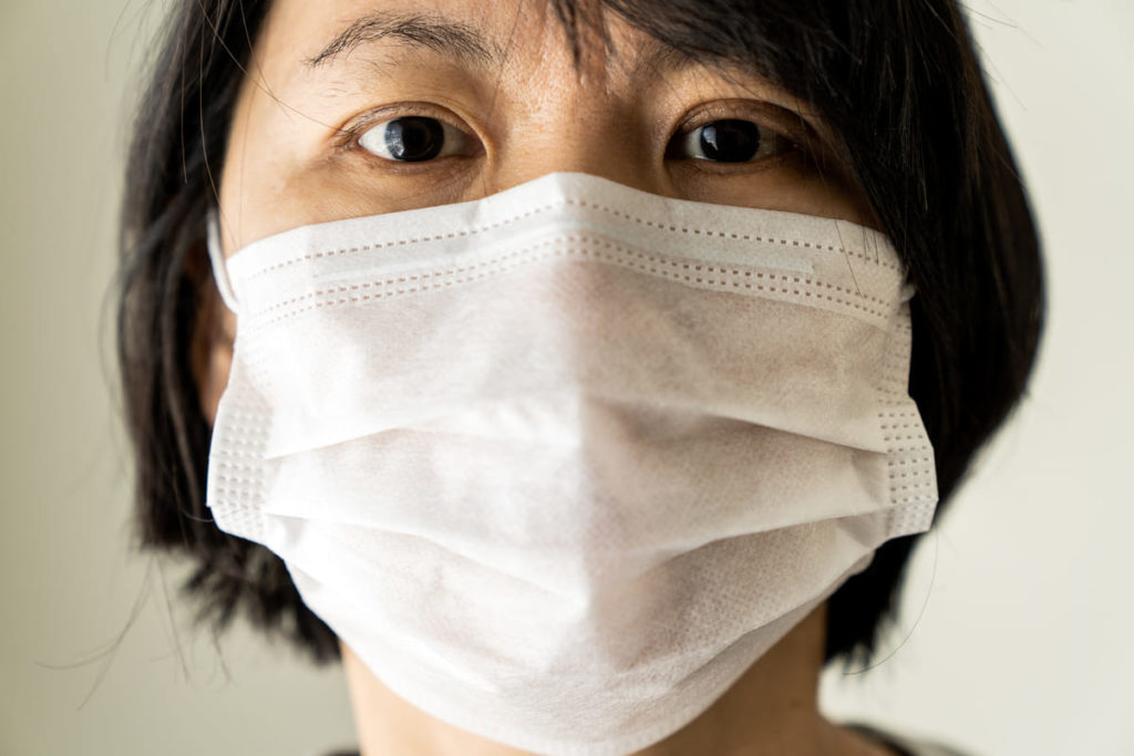 donna cinese con coronavirus