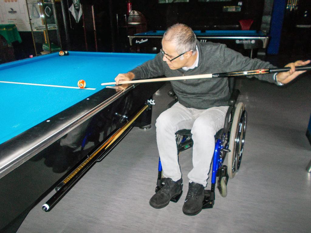 wheelchair biliards player