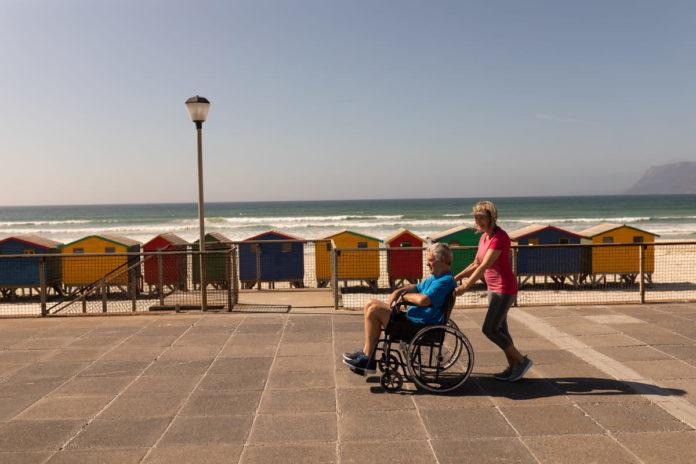 disabile non può andare in spiagga causa barriere architettoniche