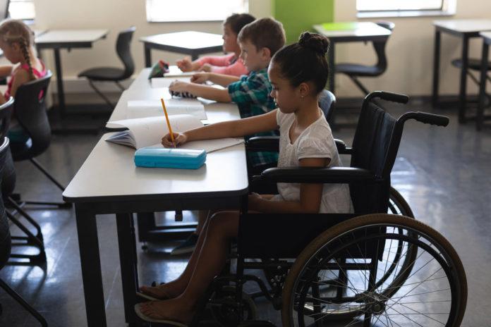 studente con disabilità a scuola