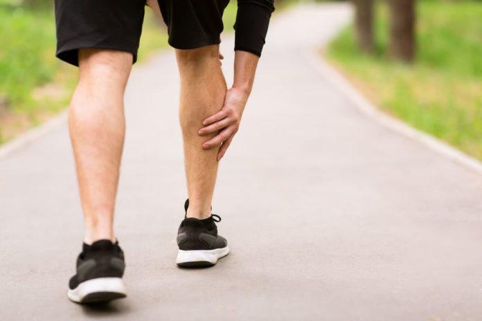 ipotonia muscolare agli arti inferiori