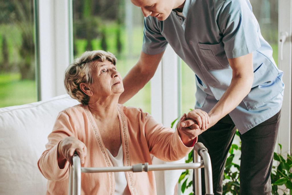 la differenza tra alzheimer e demenza senile