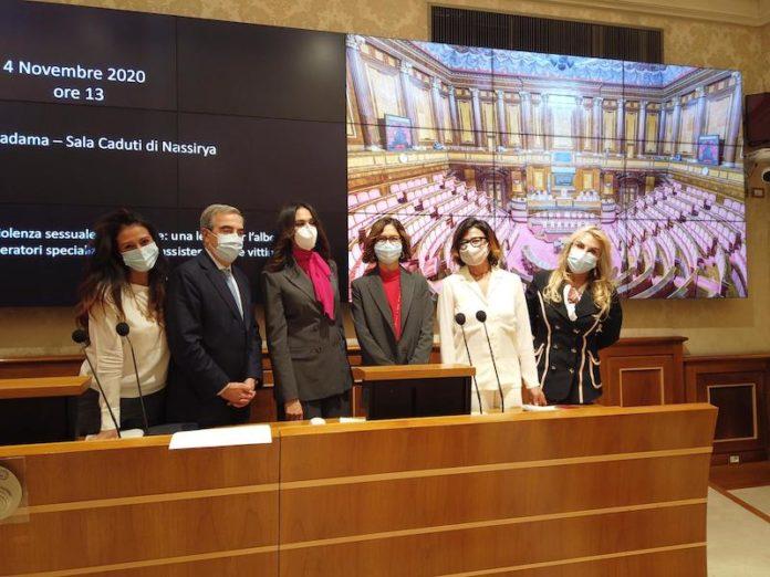 giusy versace presenta legge contro femminicidio