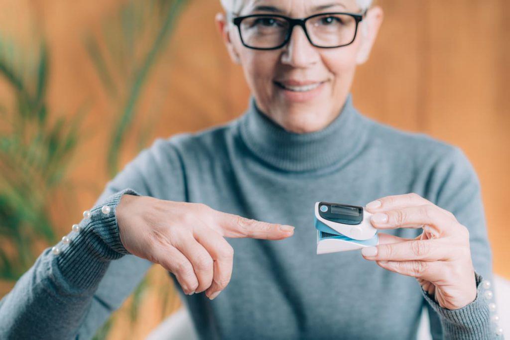 come funziona il saturimetro da dito