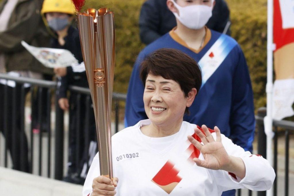 fiamma olimpica di tokyo 2020 partita