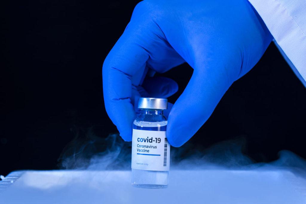 due dosi vaccino contro il covid 19