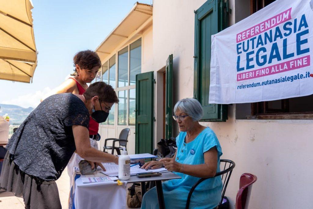 banchetto referendum eutanasia legale